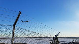 Lentokone nousee kentältä