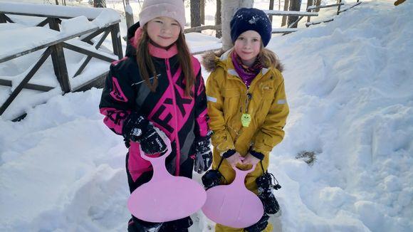 Elle-Matilda Näkkäläjärvi ja Biret Lipponen.