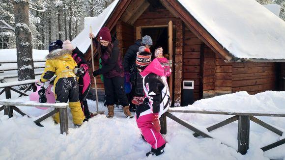 Inarin koulun saamenluokat opiskelevat nyt väistötiloissa