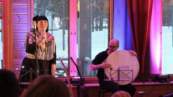Anne Näkkäläjärvi-Länsman ja Janne Lappalainen Hetan marianpäivien konsertissa 2019