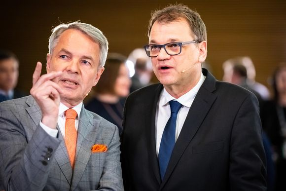 Eduskuntavaalit 2019. Pikkuparlamentin tulosilta. Vihreiden Pekka Haavisto ja keskustan Juha Sipilä.