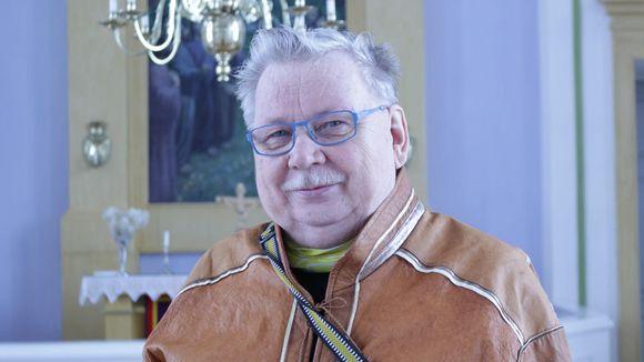 Niilo Vuomajoki Utsjoen kirkossa.