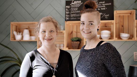 Nina and Milja Boström.