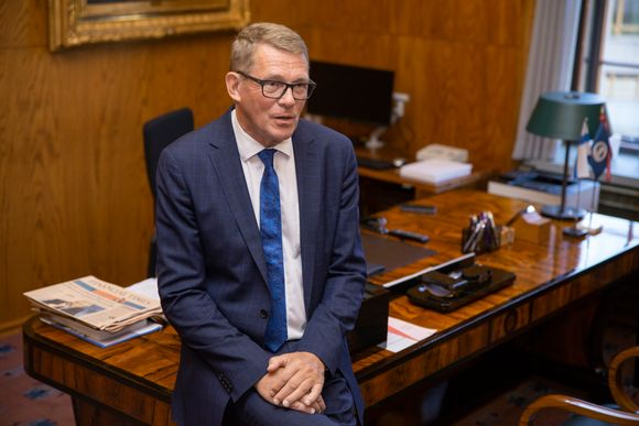 Survey: Only a third of Finns can name parliamentary speaker