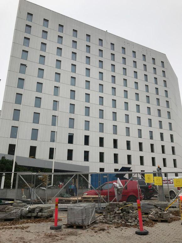 rakenteilla oleva Marriott-hotelli Tampere-talon vieressä