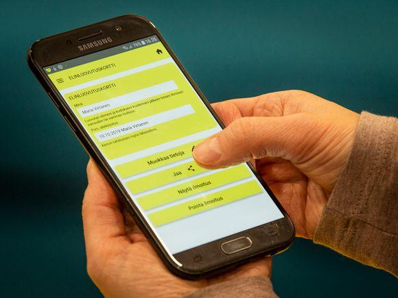 Lähikuva elektronisesta elinluovutuskortista mobiililaitteen ruudulla.