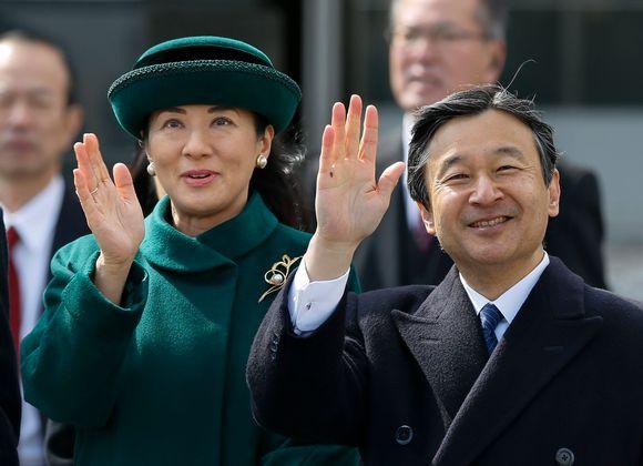 Kronprins Naruhito och kronprinsessan Masako väntas bestiga tronen den 1 april år 2109