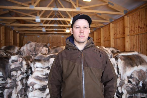 Antti Äärelä taljojen kanssa