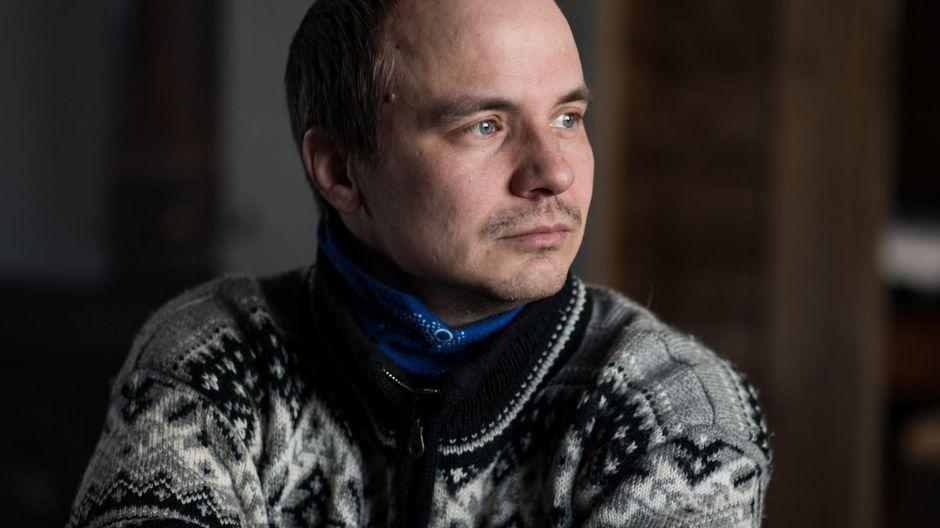 Poronhoitaja, toimittaja Aslak Paltto kuvasi poronhoitajien arkea Saamenmaalla yhdeksän vuoden ajan.