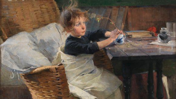 En bild av Helene Schjerfbeck: Konvalescenten (1888). En ung flicka sitter inlindad i ett lakan vid ett bord och håller i en liten kvist med spirande gröna blad.