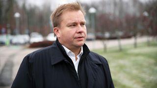 puolustusministeri Antti Kaikkonen