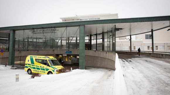 Lapin keskussairaalan sisäänkäynti