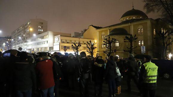 Blomstermanifestation i Åbo 30 januari.