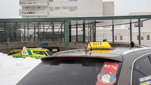 Lapin keskussairaalan julkisivu