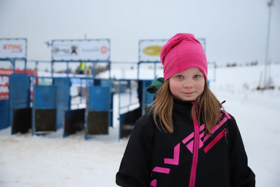 Heili Marja Somby oli varma, että hänen veljensä voittaa junioriluokan kisan.