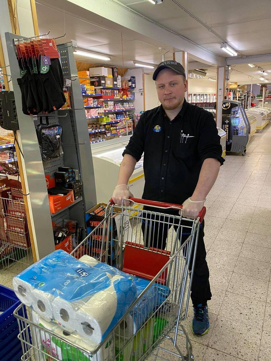 Näätämön Nord1-Marketin kauppias Juha Kekäle.