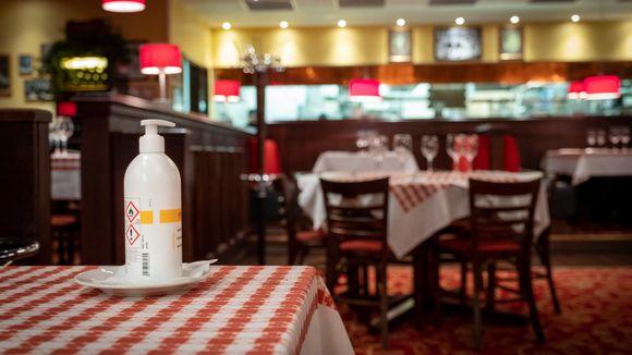 La Famiglia ravintolan ravintolasali Jumbossa.