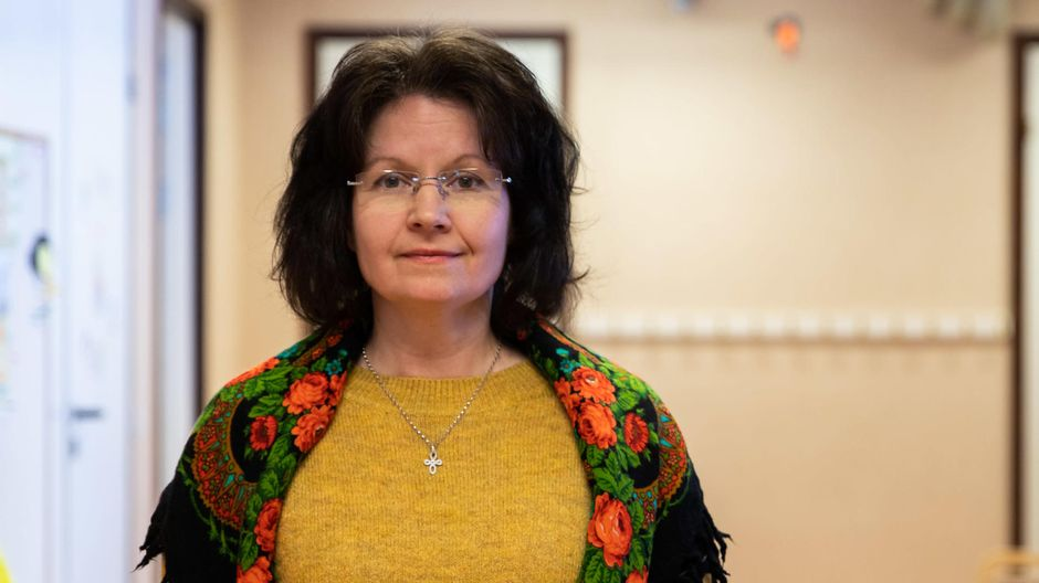 Diakoniatyöntekijä Anu Huhtamella.