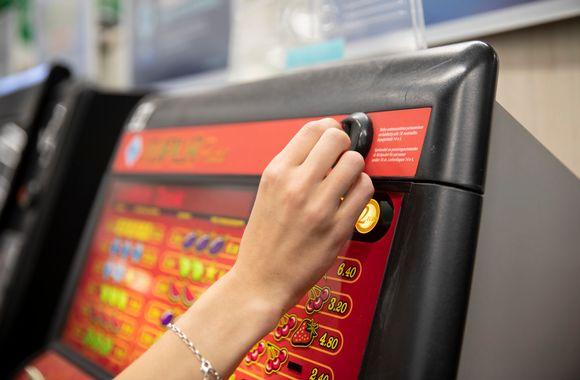 Игровые автоматы с гаджетами казино игры онлайне