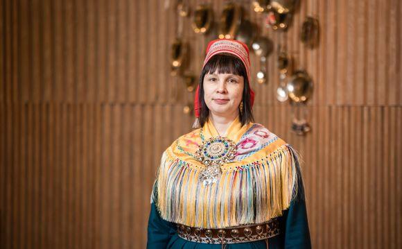 Saamelaiskäräjien jäsen ja kulttuurilautakunnan puheenjohtaja Pirita Näkkäläjärvi