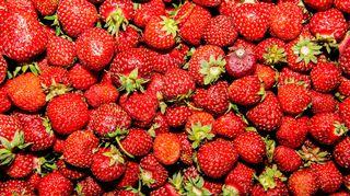 Kuvassa on mansikoita Helsingissä Pasilan Triplan Prismassa heinäkuussa 2020.