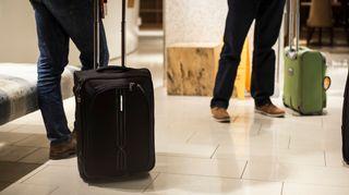 Matkalaukkuja Hotellin aulassa
