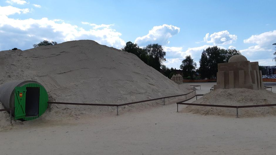 Lappeenrannan hiekkalinna typistyi hiekkakasaksi