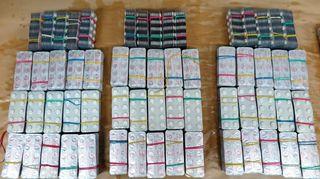 Poliisin romanialaisilta takavarikoimia lääkkeitä.