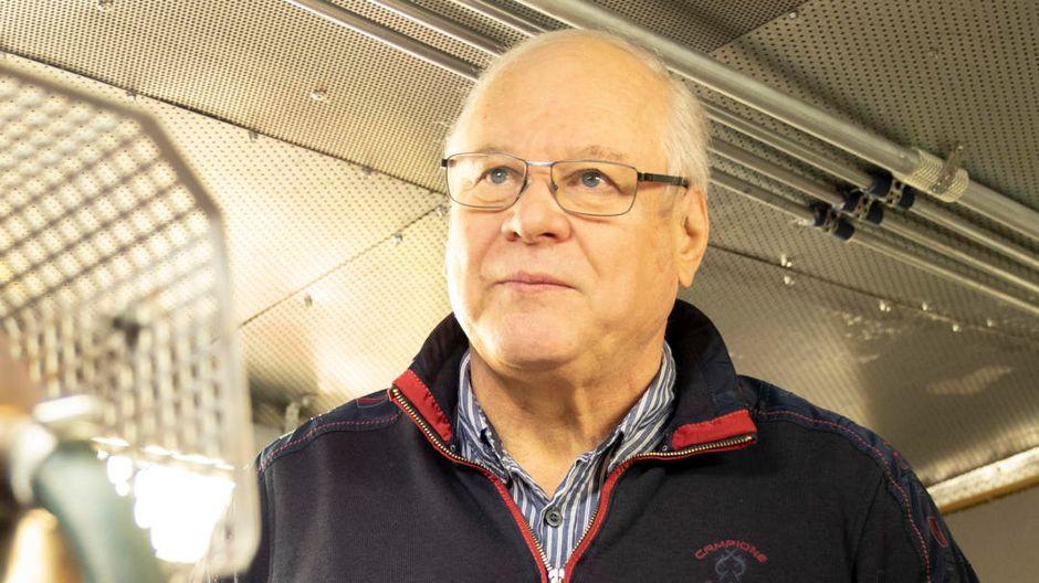 Jarmo Ahonen ms Charlotten konehuoneessa.