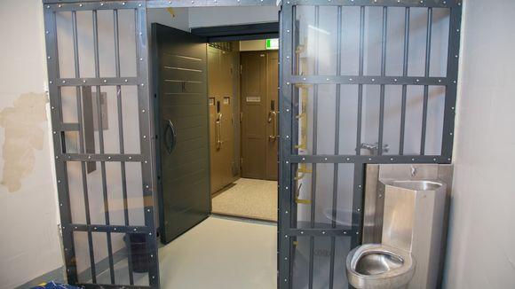 Vankien radikalisoituminen / Vantaan vankila / eristysselli