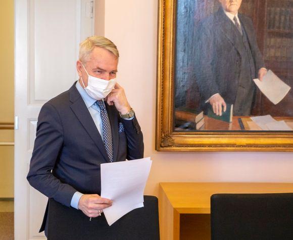Ulkoministeri Pekka Haavisto Valtioneuvoston linnassa.