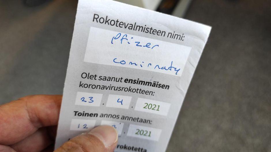 Suomalainen rokotuskortti.