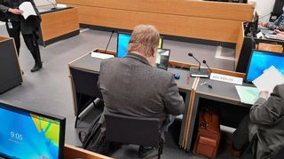 Vastaaja oikeuden istunnossa