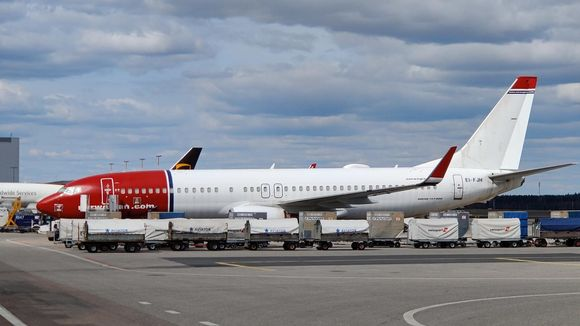 Lentoyhtiö Norwegianin Boeing 737-800-matkustajakone Helsinki-Vantaalla