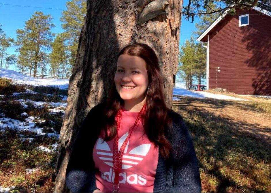 Anna-Katariina Feodoroff valittiin Kolttakulttuurisäätiö Ǩiõllpieʹzzest škoouʹle -hankkeen opettajaksi kehittämään kolttasaamelaista opetuta.