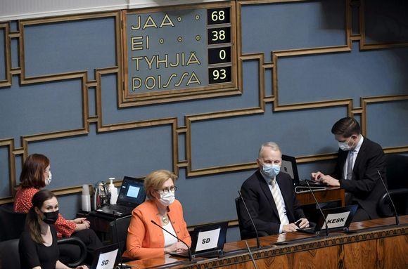 Eduskunnan täysistunnossa äänestettiin Helsingissä perjantaina 14. toukokuuta 2021.
