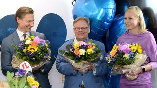 Antti Häkkänen, Juhana Vartiainen ja Elina Valtonen kokoomuksen vaalivalvojaisissa.