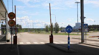 Vaalimaan raja-aseman avoinna oleva portti Venäjän suuntaan.