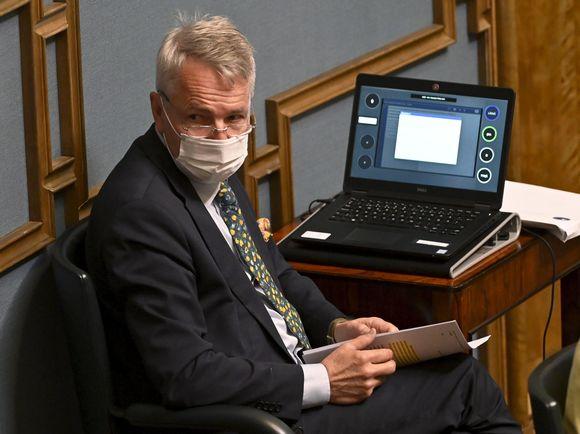 Pekka Haavisto eduskunnan täysistunnossa.
