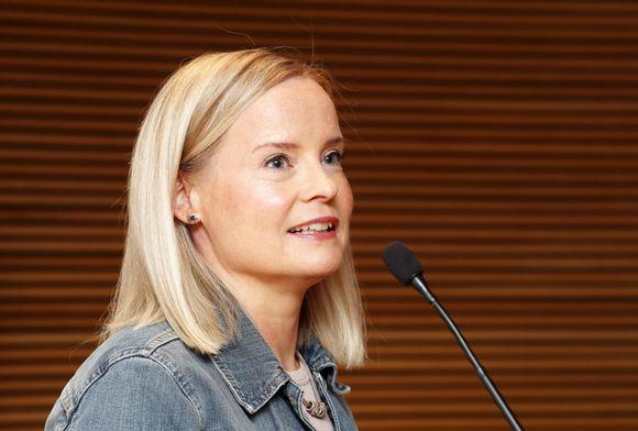 Perussuomalaisten ensimmäinen varapuheenjohtaja Riikka Purra tiedotustilaisuudessaan Helsingissä 8. heinäkuuta.