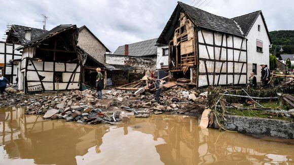 Tulvan tuhoamia taloja.