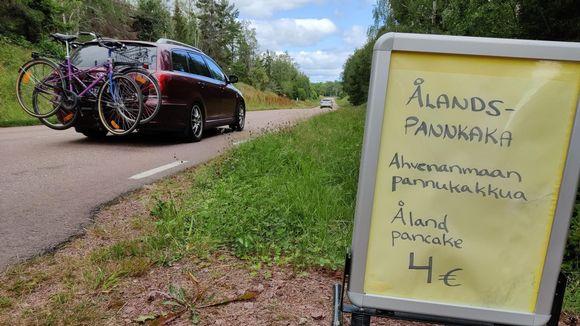 Pannukakkumainos Ahvenanmaalla.