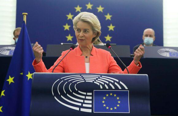 Ursula von der Leyen puhumassa keskiviikkoaamun State of the Union -puheetta.