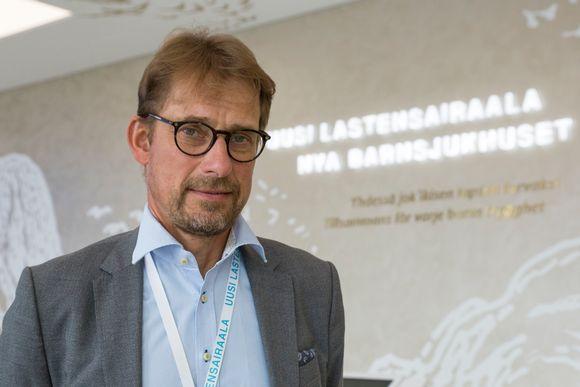Lasten ja nuorten sairauksien toimialajohtaja Jari Petäjä, HUS