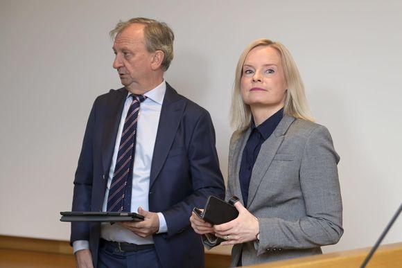 Liike Nytin Harry Harkimo ja perussuomalaisten puheenjohtja Riikka Purra tiedostustilaisuudessa eduskunnan Kansalaisinfossa Helsingissä 7. lokakuuta 2021.