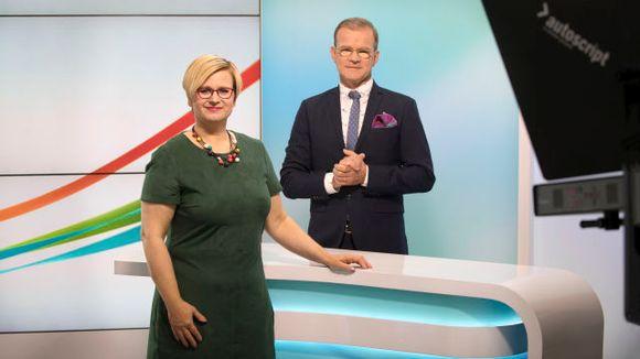 Mikaela Tillander ja Thomas Sandolm studiossa.